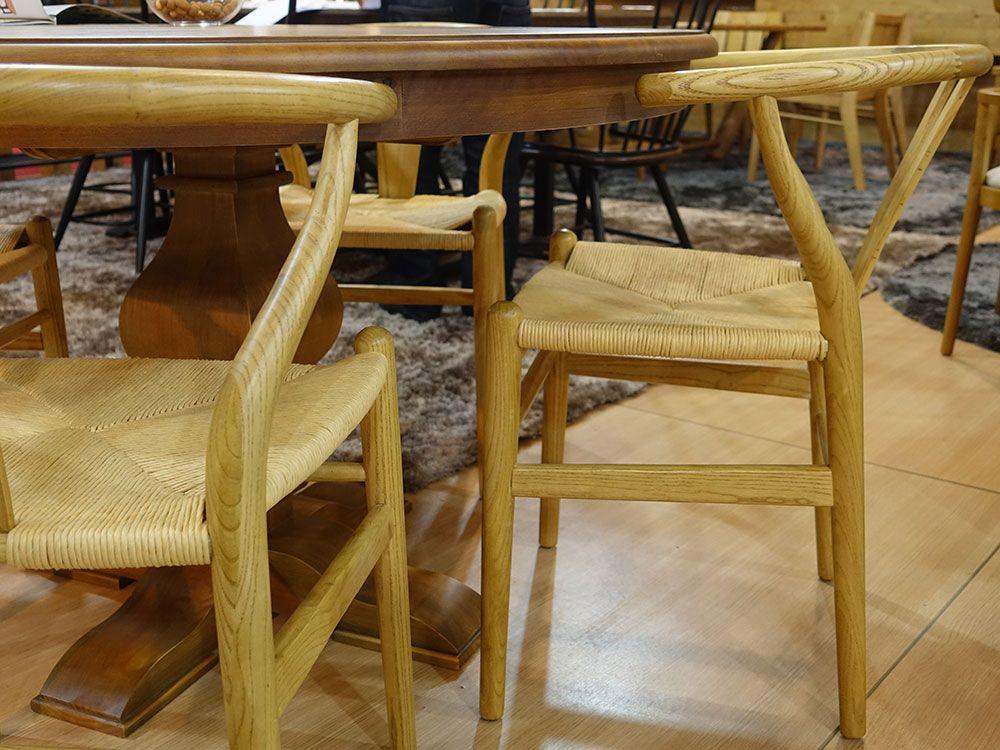 cadeiras clássicas e lindas da Artefama