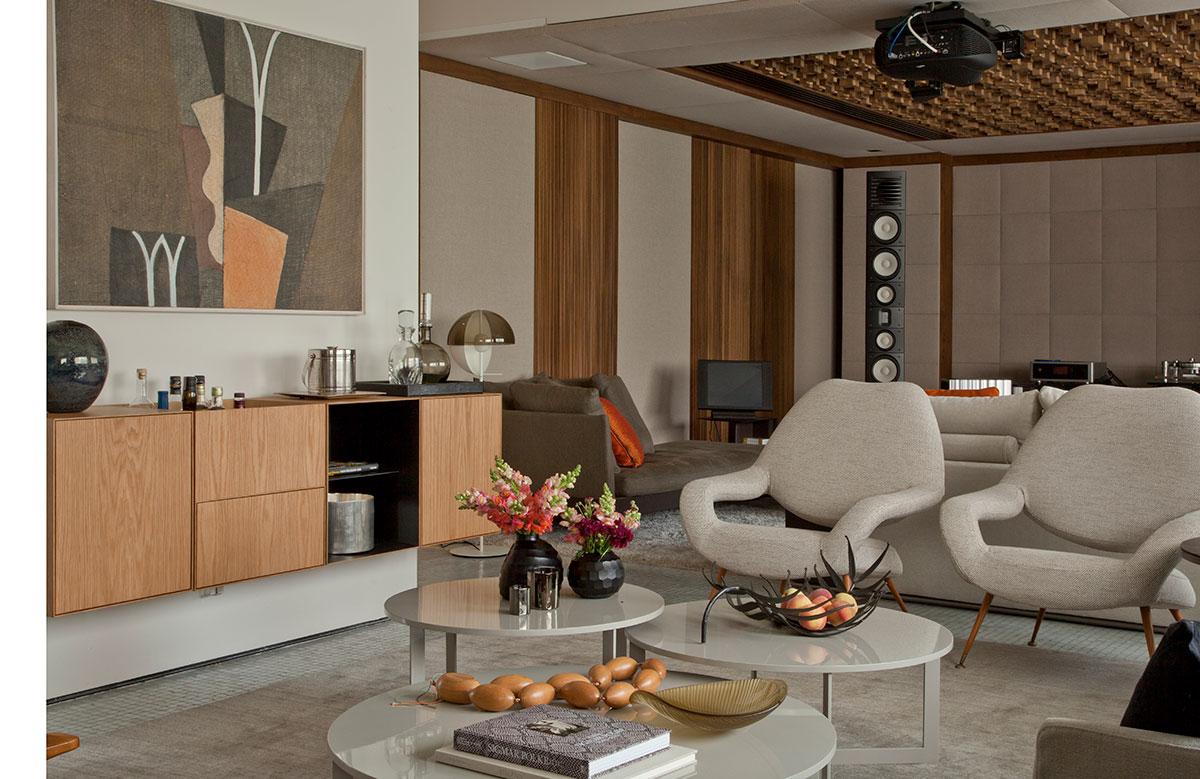 Conforto e alta tecnologia em um duplex casa de valentina for Mobiliario contemporaneo italiano